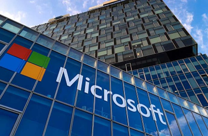 Microsoft: Türkiye'de siyasetçileri, gazetecileri ve akademisyenleri takip  eden yazılımı engelledik