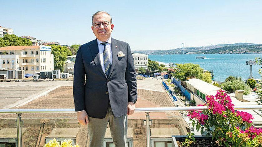 Ο συνταξιούχος οπίσθιος ναύαρχος Cihat Yaycı υπενθυμίζει στην Ελλάδα τα χωρικά ύδατα