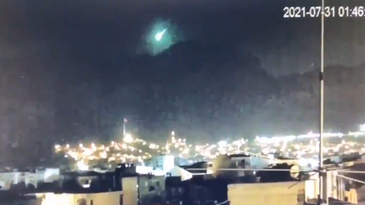 İzmir'e meteor mu düştü? İşte paylaşılan o görüntü
