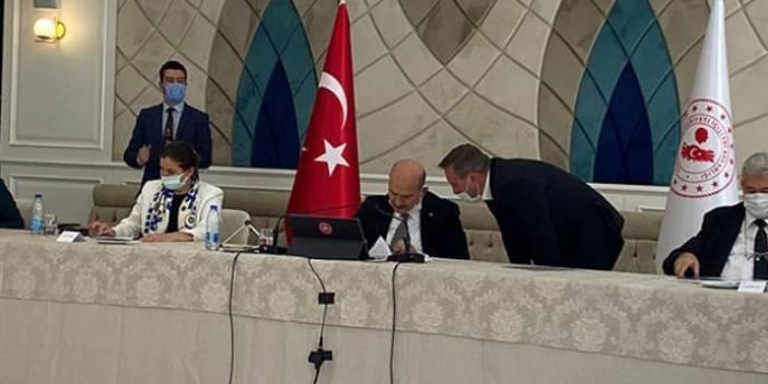 Koronavirüse yakalanan AKP'li vekil, temaslıyken Bakan Soylu'nun olduğu toplantıya katıldı iddiası